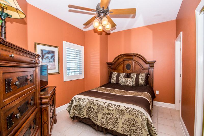 Slaapkamer 1 met Queen Bed