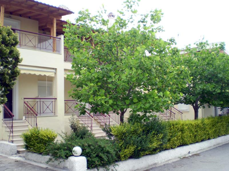 Siviri Rental Houses, vacation rental in Kassandrino