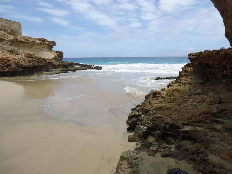 Der Strand nur hinunter die Residenz