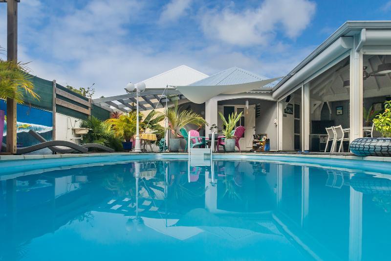Ruime en geventileerde Villa open op het zwembad en de SPA