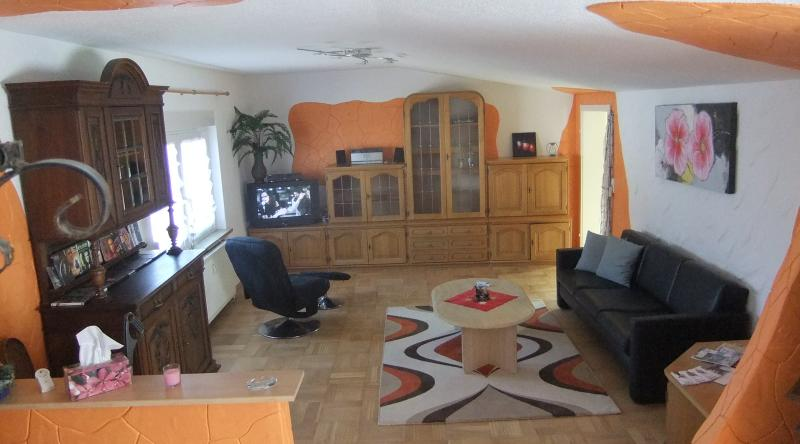 Big Family Vacation Home (Maisonette) Ramstein, casa vacanza a Zweibruecken