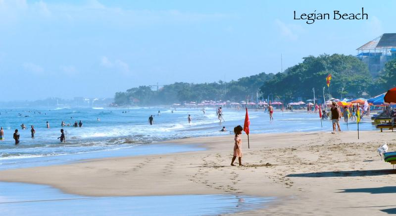 More of Kuta and Legian Beach in front of us (800 meters away)