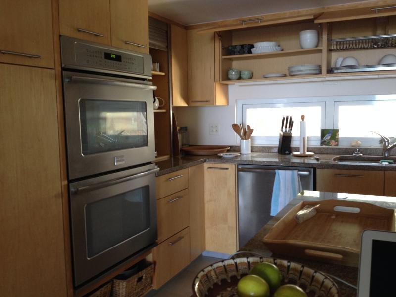 Kitchen tour: double-oven