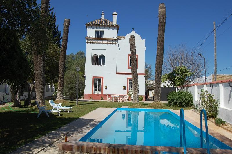 Villa Rosario, holiday rental in Los Palacios y Villafranca