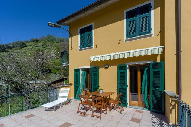 Casa Emilia: in the green backcountry of Chiavari with a big, sunny terrace  ...