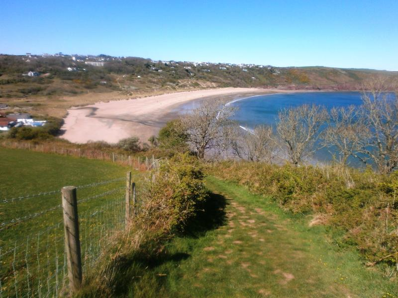 Views on the coastal path, Freshwater East