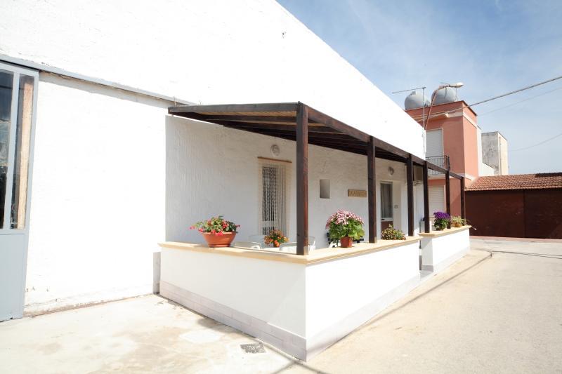 casa trinacria appartamento Ballotta, holiday rental in Guarrato