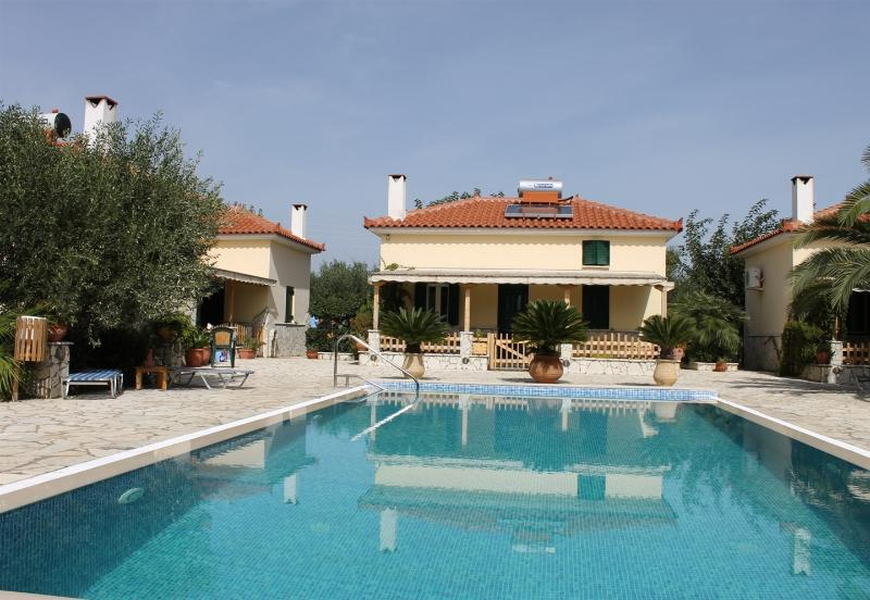 FOUFAS HOUSES, vacation rental in Agios Andreas