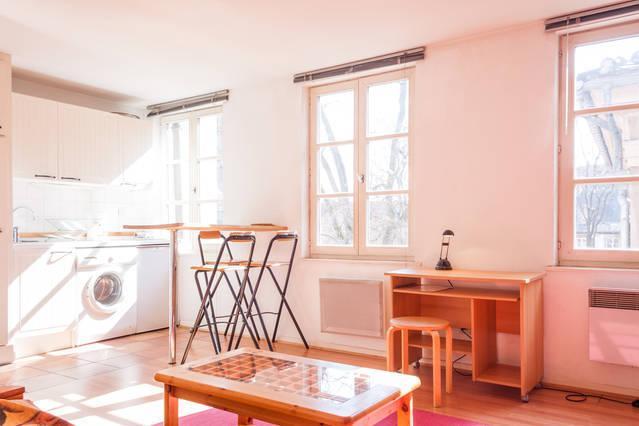 Beau 2 pièces de 34 m² plein centre, location de vacances à Strasbourg