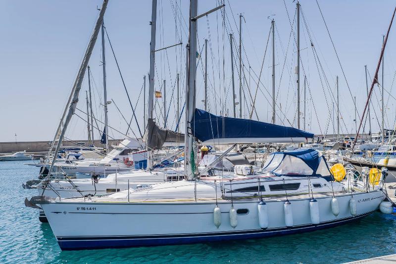 Yacht Brego na Marina.