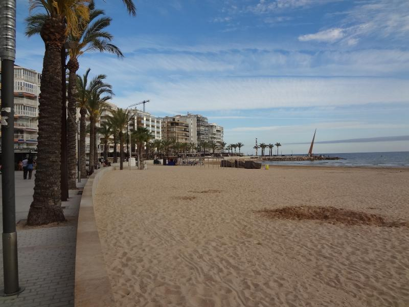 Amatista, apartamento en playa Llevant de Salou, vacation rental in Salou