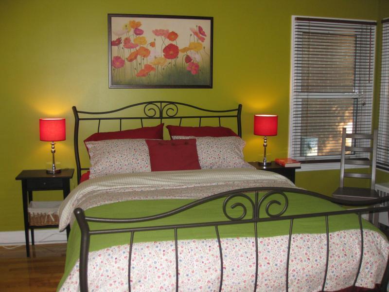 Chambre verte / dormitorio verde
