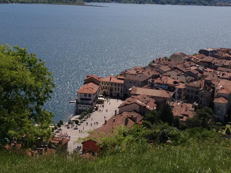 view from Rocca Borromeo