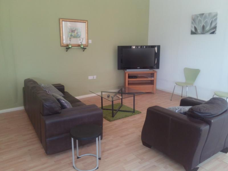 One bedroom self-contained villa. Spacious lounge with multi-channel TV.