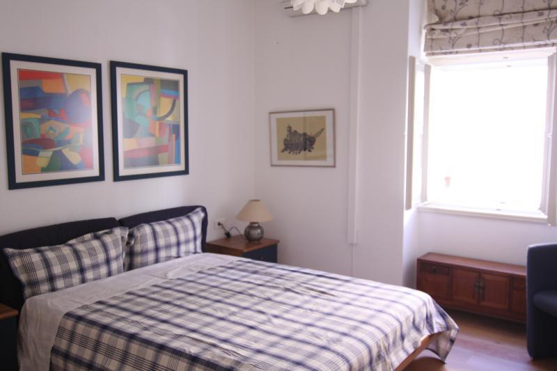 Master-Schlafzimmer mit reichlich Stauraum