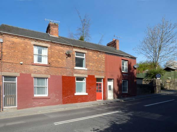 WARMBROOK COTTAGE, pet-friendly, romantic cottage, WiFi, close to amenities, in, vacation rental in Wirksworth
