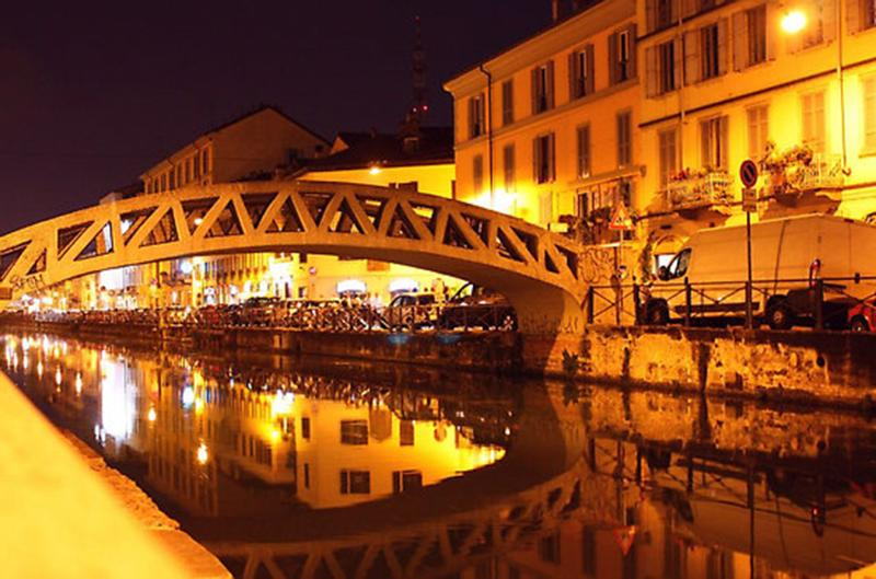 Naviglio Grande by night