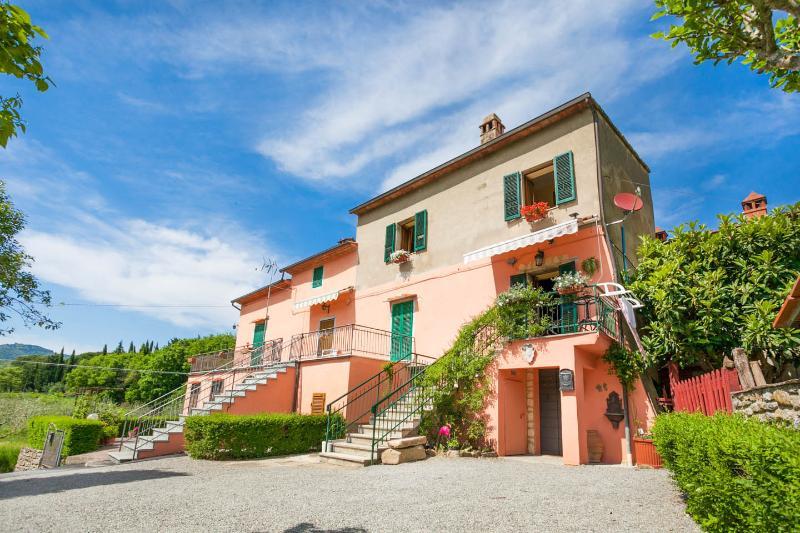 1 bedroom sleeps 4, beautiful view, vacation rental in Piazzano