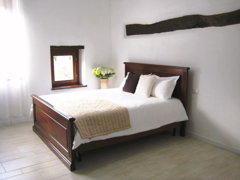 Doppia con idromassaggio/Double room with Jacuzzi, holiday rental in Madonna della Pia