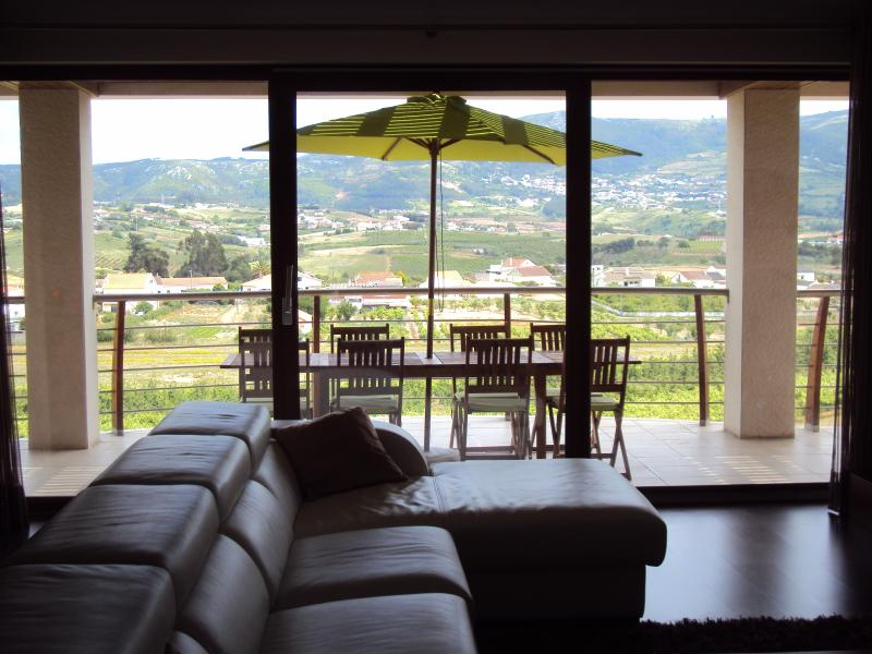 SunHill - Stunning Detached Villa, holiday rental in Carvalhal
