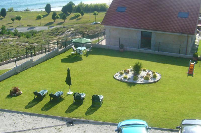 vistas desde el apartamento, al jardín y a la playa Major