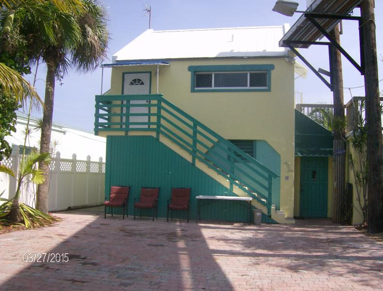 Palm Place - affordable Keys lodging.