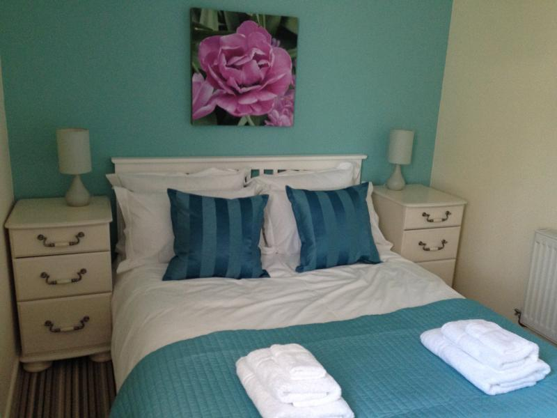 Lovely bright and comfortable double bedroom with built in wardrobe.