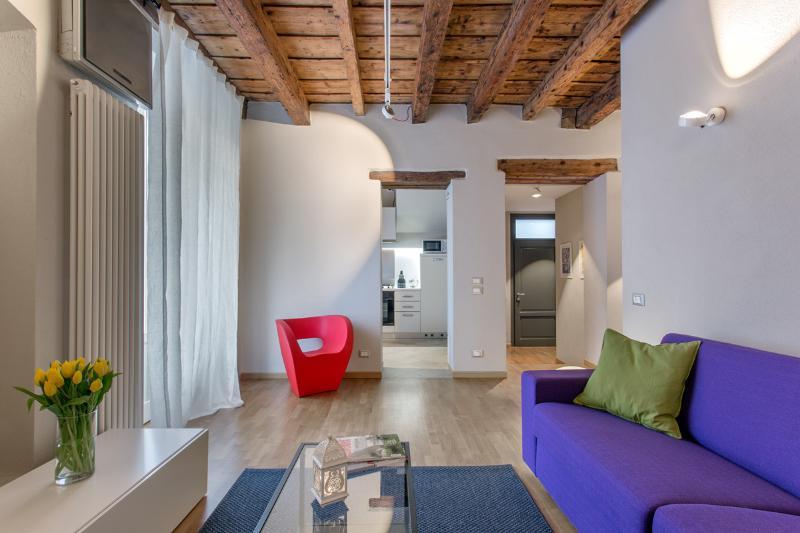 La Cortevecchia 2.0 - casa vacanze - b&b, holiday rental in Treviolo