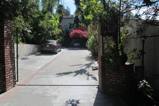 Front Driveway and Parking