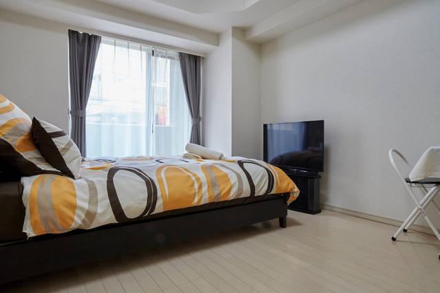 Übersicht über das Schlafzimmer. Sehr geräumige in japanische Verhältnisse, sauber und komfortabel.