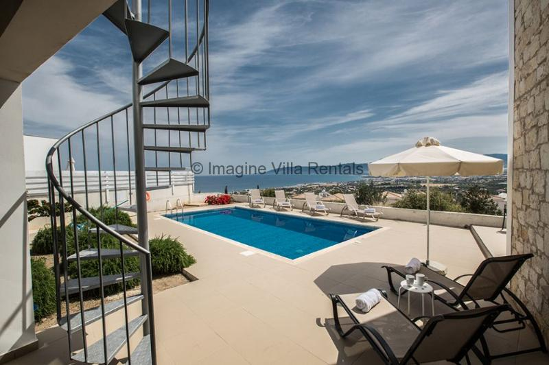 Esprit 20|3 Bed with pool and panoramic sea views, holiday rental in Latchi