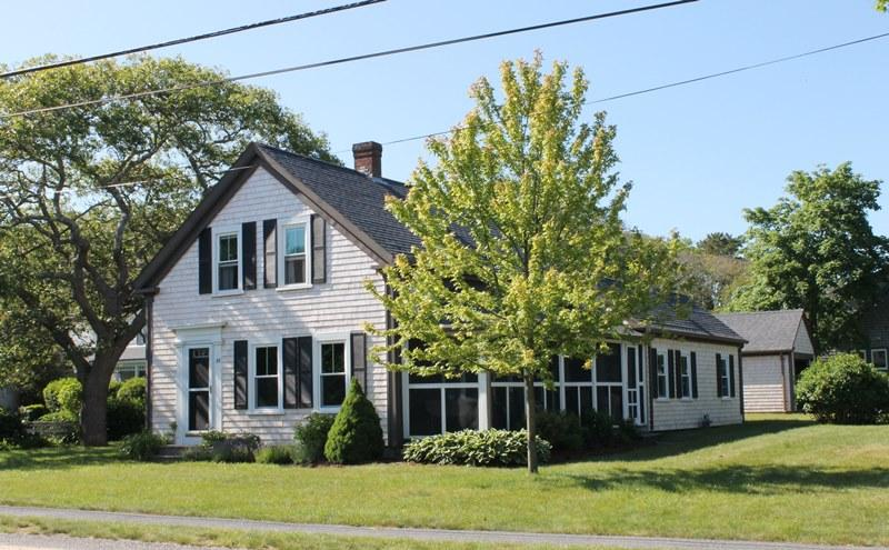 Welcome to Pleasant Street Cottage! Spacious corner lot with screened porch - 38 Pleasant Street Harwich Port Cape Cod New England Vacation Rentals