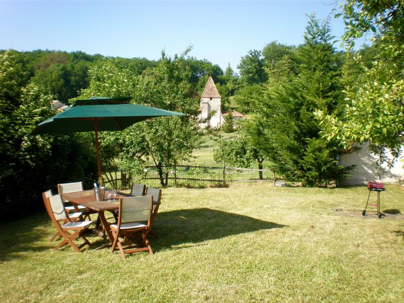 Family/Pet Friendly, Location, Private Pool/Garden, holiday rental in Parcoul