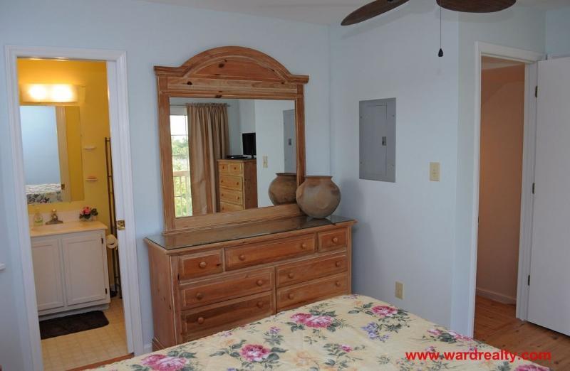 1st Floor Soundside Queen Bedroom III
