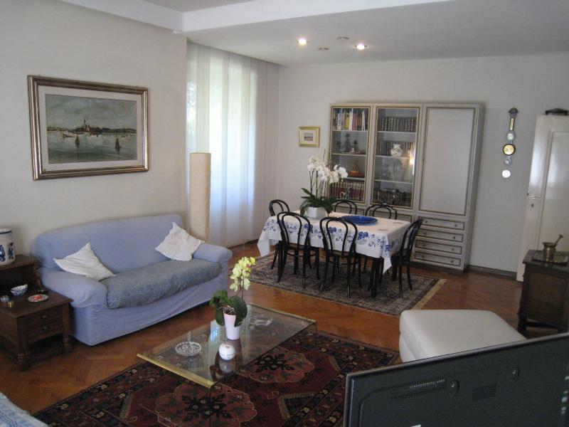 BOLZANO GREAT APARTMENT IN VILLA, holiday rental in Andriano