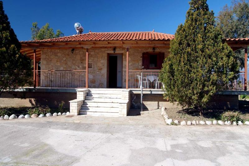 CHERONISSI, vacation rental in Agios Andreas