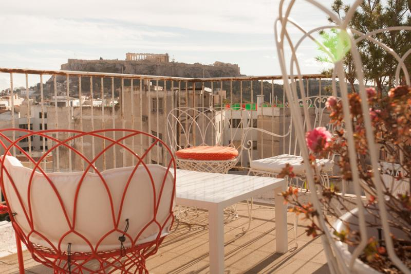 Roof top terrace - view of the Acropolis
