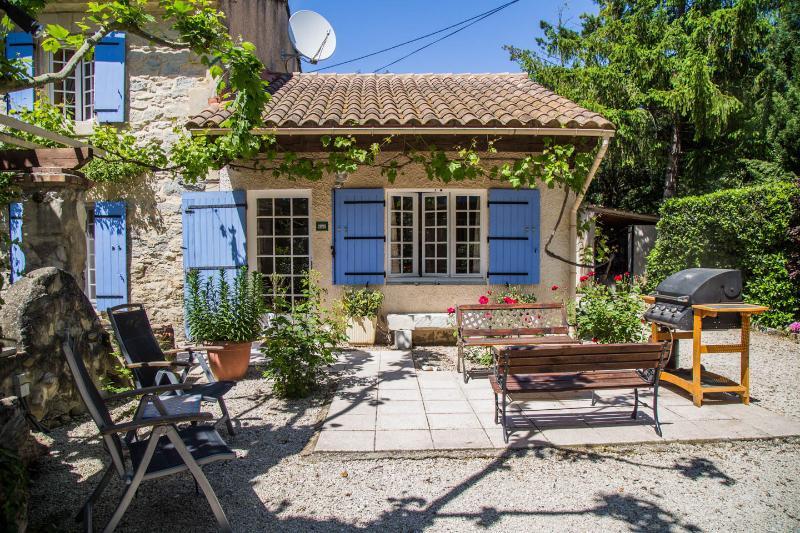 Le Mas at Mas Saint Antoine 4bed 4bath sleeps 8, holiday rental in Barbentane