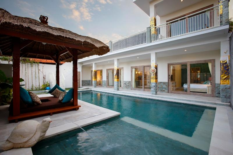 Villa Adon  Big 4*10m Pool. Special rate 1-30 April 2020!, location de vacances à Sanur