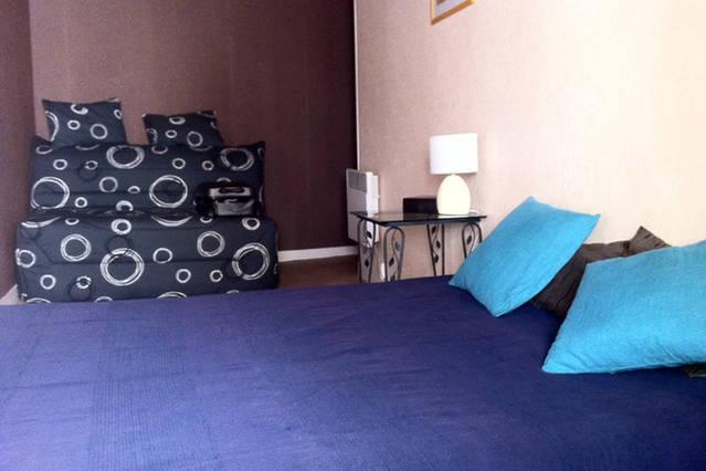 Bedroom 2 with double bed (140 x 190) and a sofa bed BZ (140 x 190), that can be in the living room