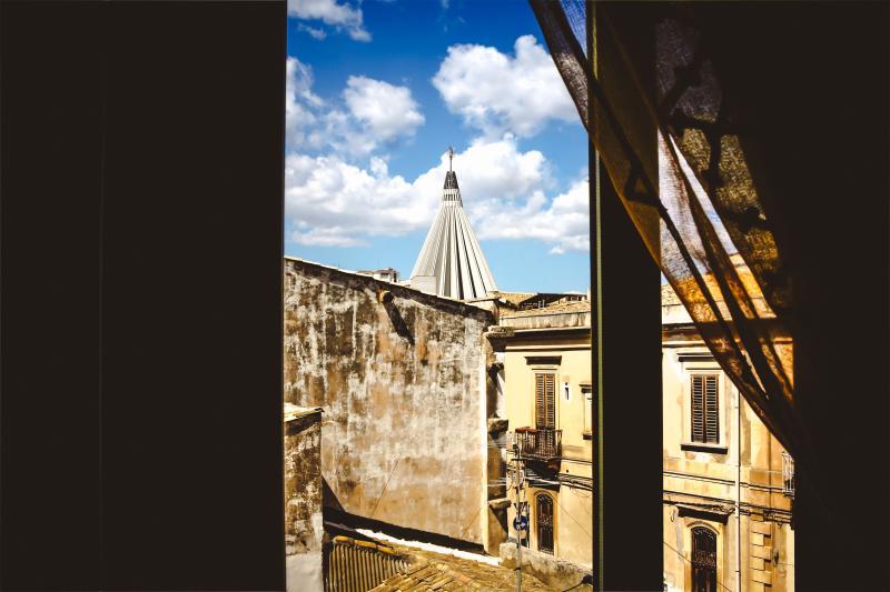 Vista del Santuario della MADONNA DELLE LACRIME dal balcone di casa