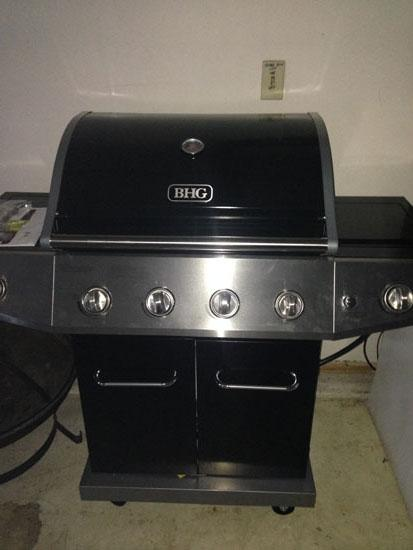 Gas Grill for Outdoor Cooking