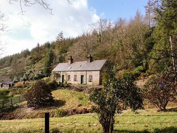 2 TAYNESS, semi-detached, open fire, WiFi, off road parking, near Kilmartin, location de vacances à Ford