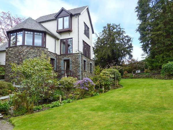 RUSCELLO APARTMENT romantic retreat, close to amenities and Lake Windermere in, holiday rental in Bowness-on-Windermere