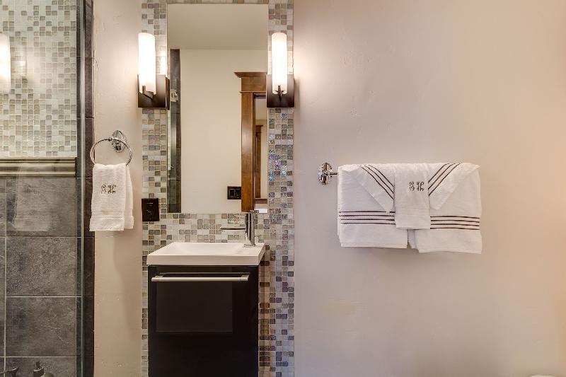 5e salle de bains (bain)