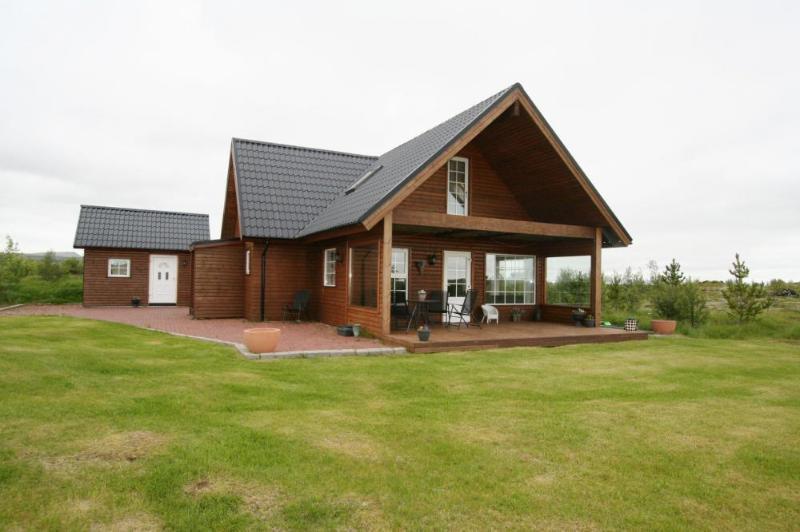 Merkurhraun - Warm Family cabin, vacation rental in Selfoss