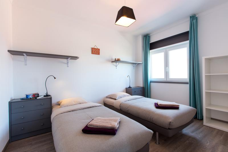 bright, large, double & twin bedroom, quality bed & mattresses