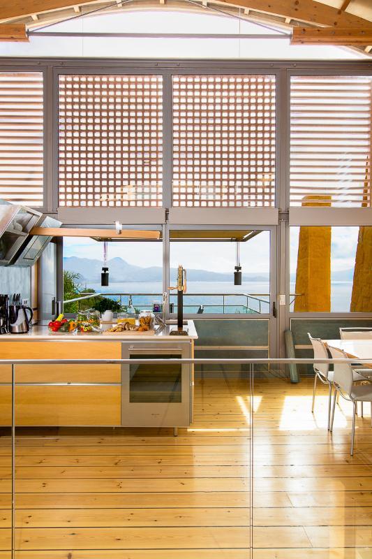 Voll ausgestattete Küche mit Marken Elektrogeräte!