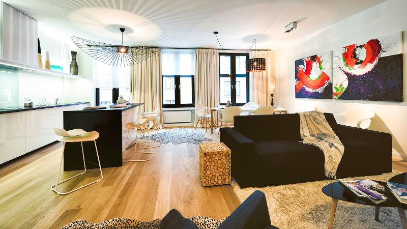 Grand Place - Modern Two Bedrooms Apartment, vacation rental in Brussels