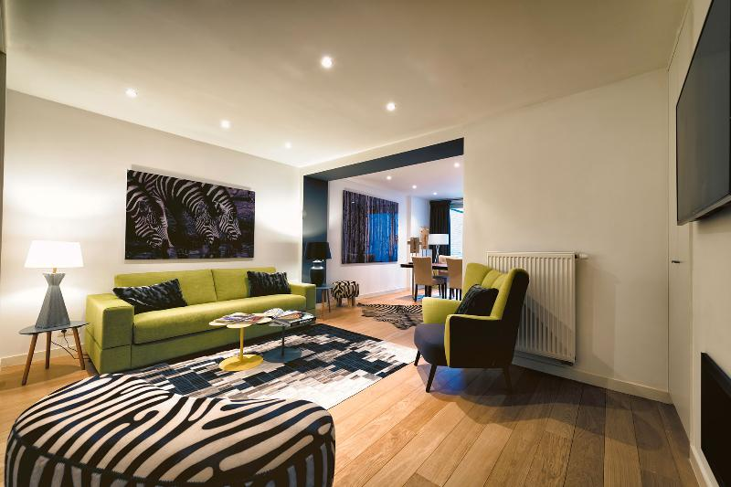 Avenue Louise - Design One Bedroom Apartment With Garden, location de vacances à Uccle